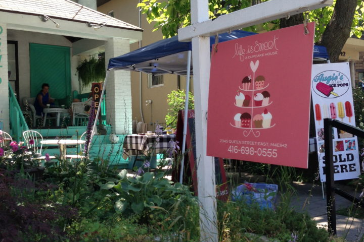 Life is Sweet – A Cupcake House